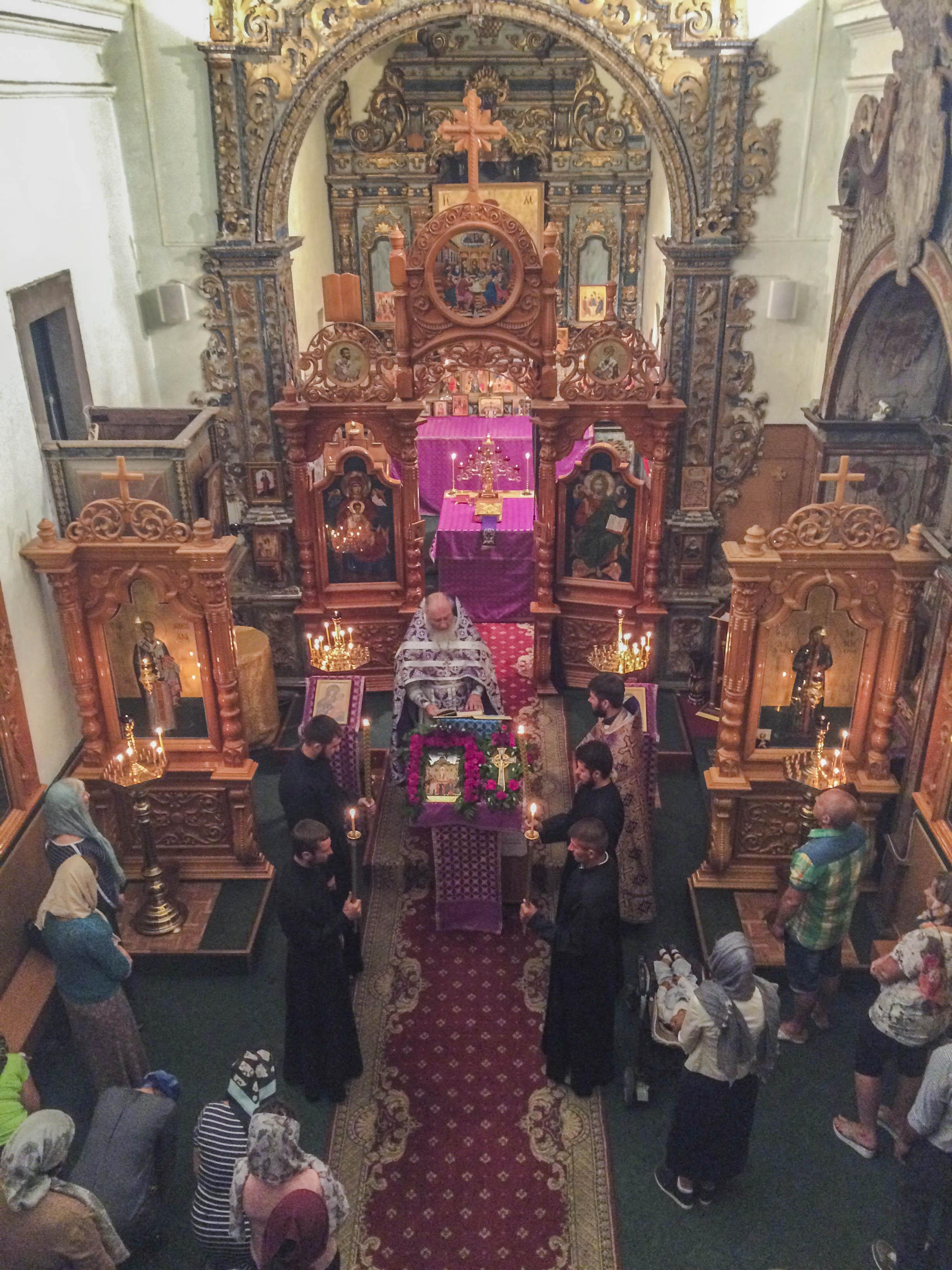 Литургия в православном приходе в Фару (Португалия)