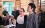 """Пятидесятница 2016: Миропомазание двух студентов и визит членов движения """"Communion et Libération"""""""