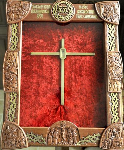 Изготовлен оклад для хранящегося в семинарии шипа от Тернового венца Господня