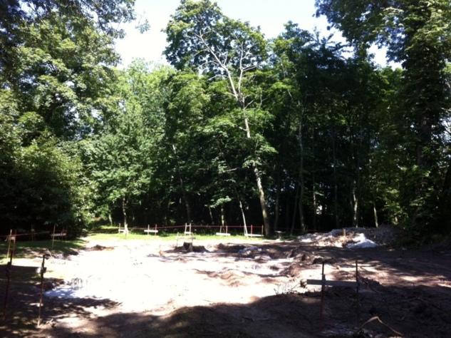 Начались работы по сооружению нового деревянного храма семинарии