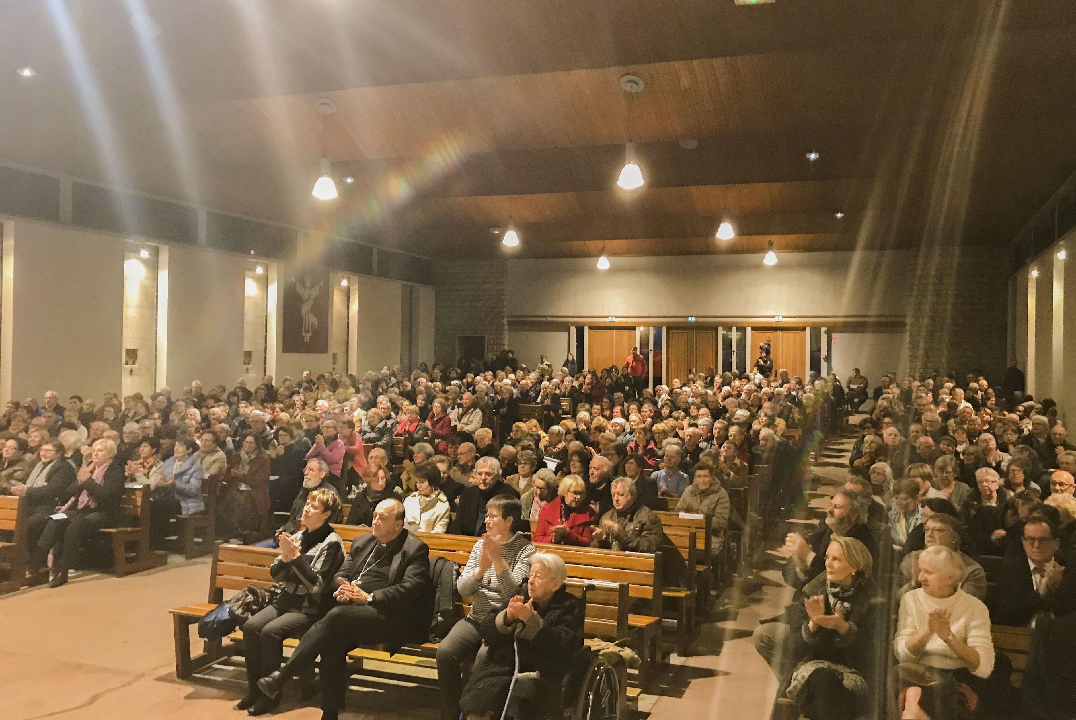 Хор семинарии выступил с концертом во французском городе Шомон