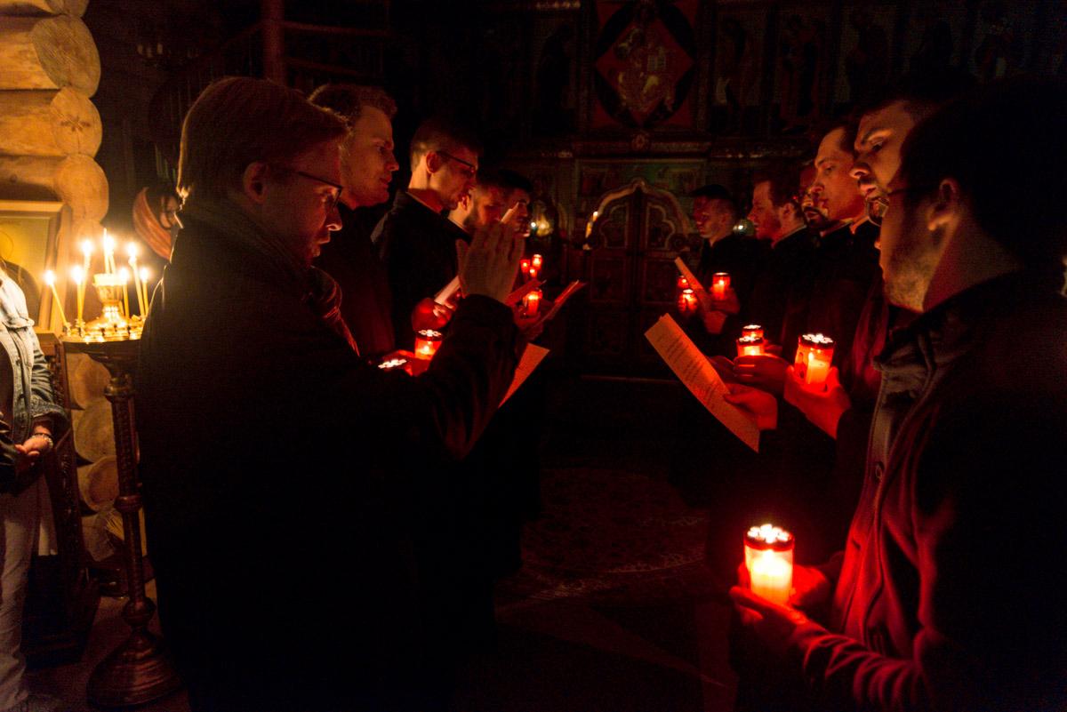 Фоторепортаж о пасхальных богослужениях в нашем Центре