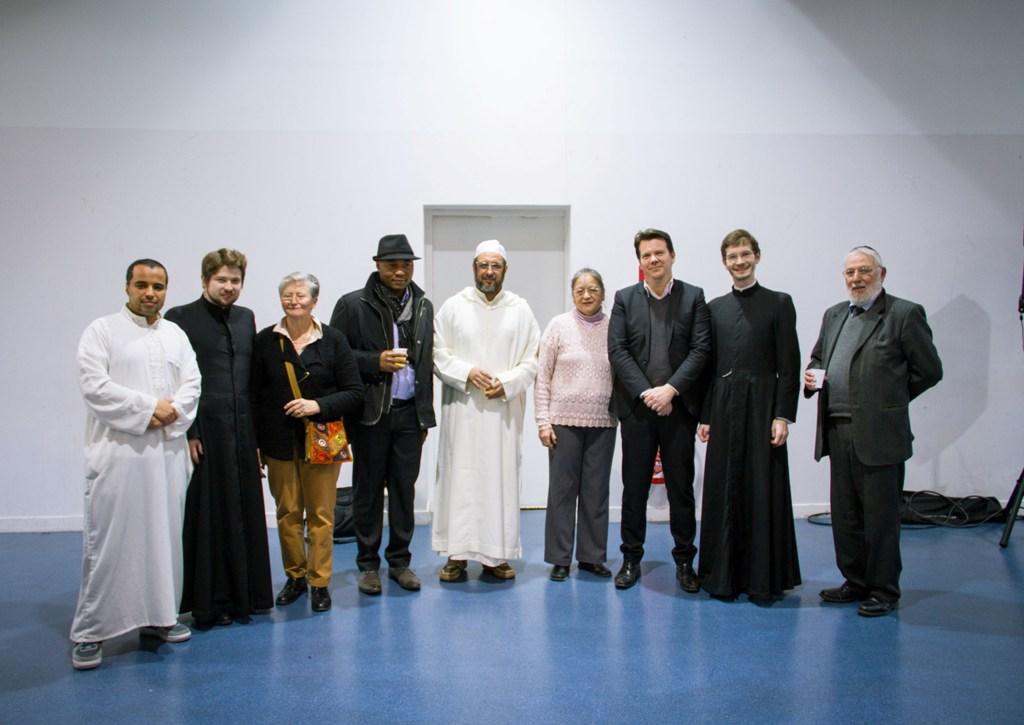 Первая межрелигиозная встреча состоялась в Эпине-су-Сенар